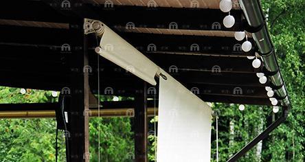 Вертикальная открытая маркиза